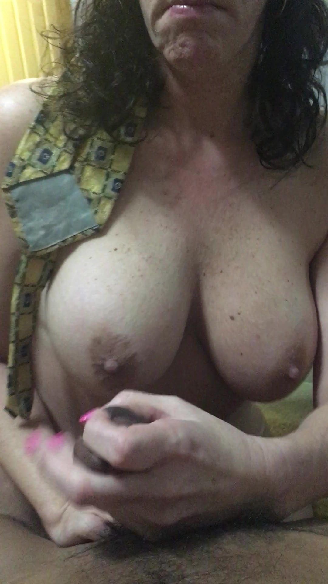 video of nude bouncing boobs